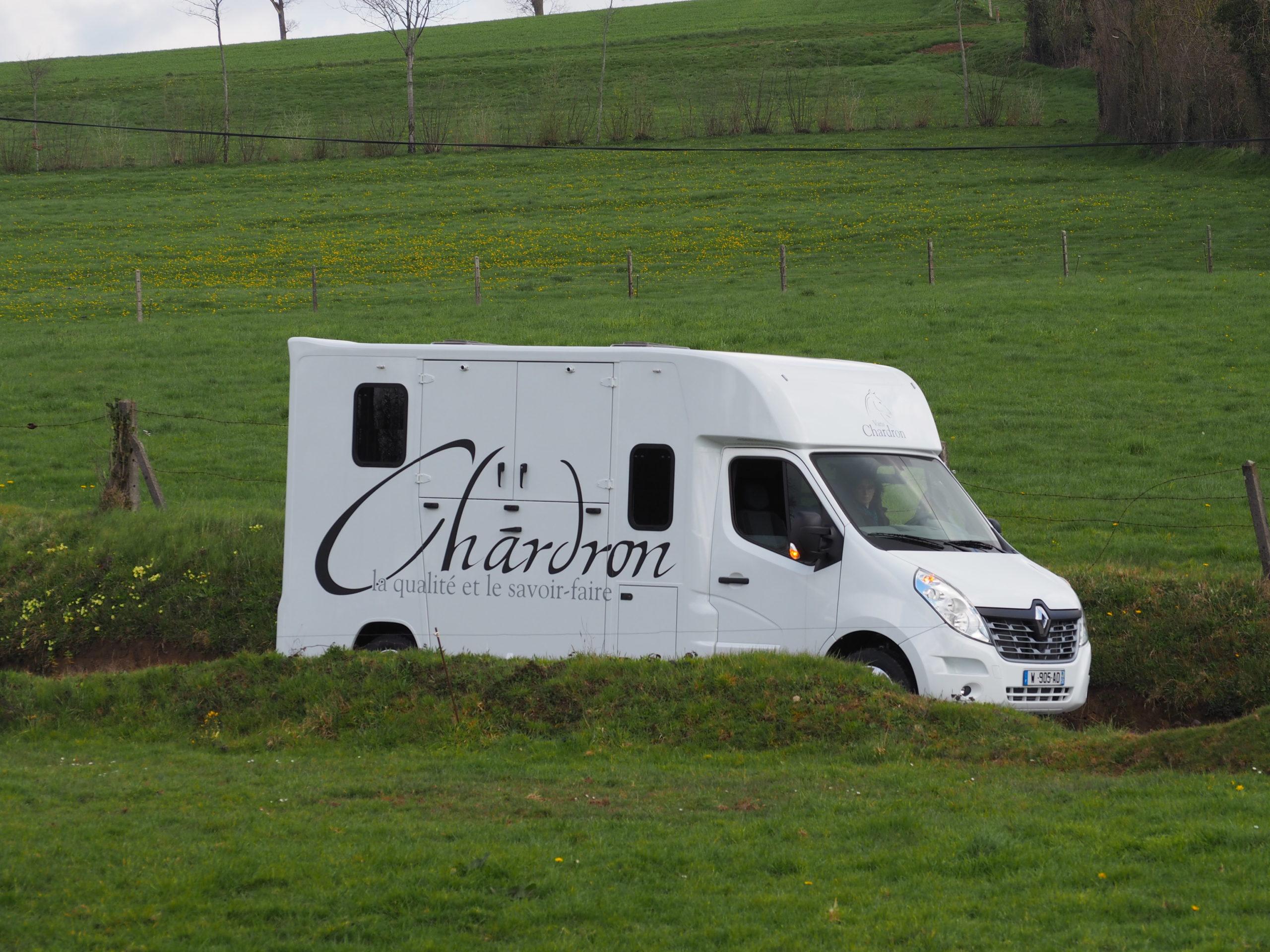 Vans Chardron stalle Deux Chevaux