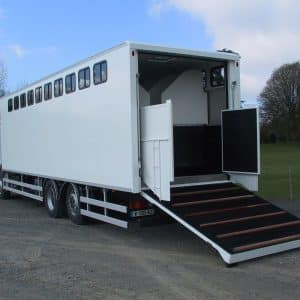 Vans Chardron 10 chevaux avec espace sellerie