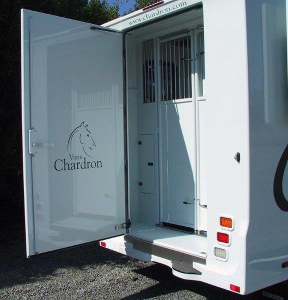 camion chardron neuf stalle