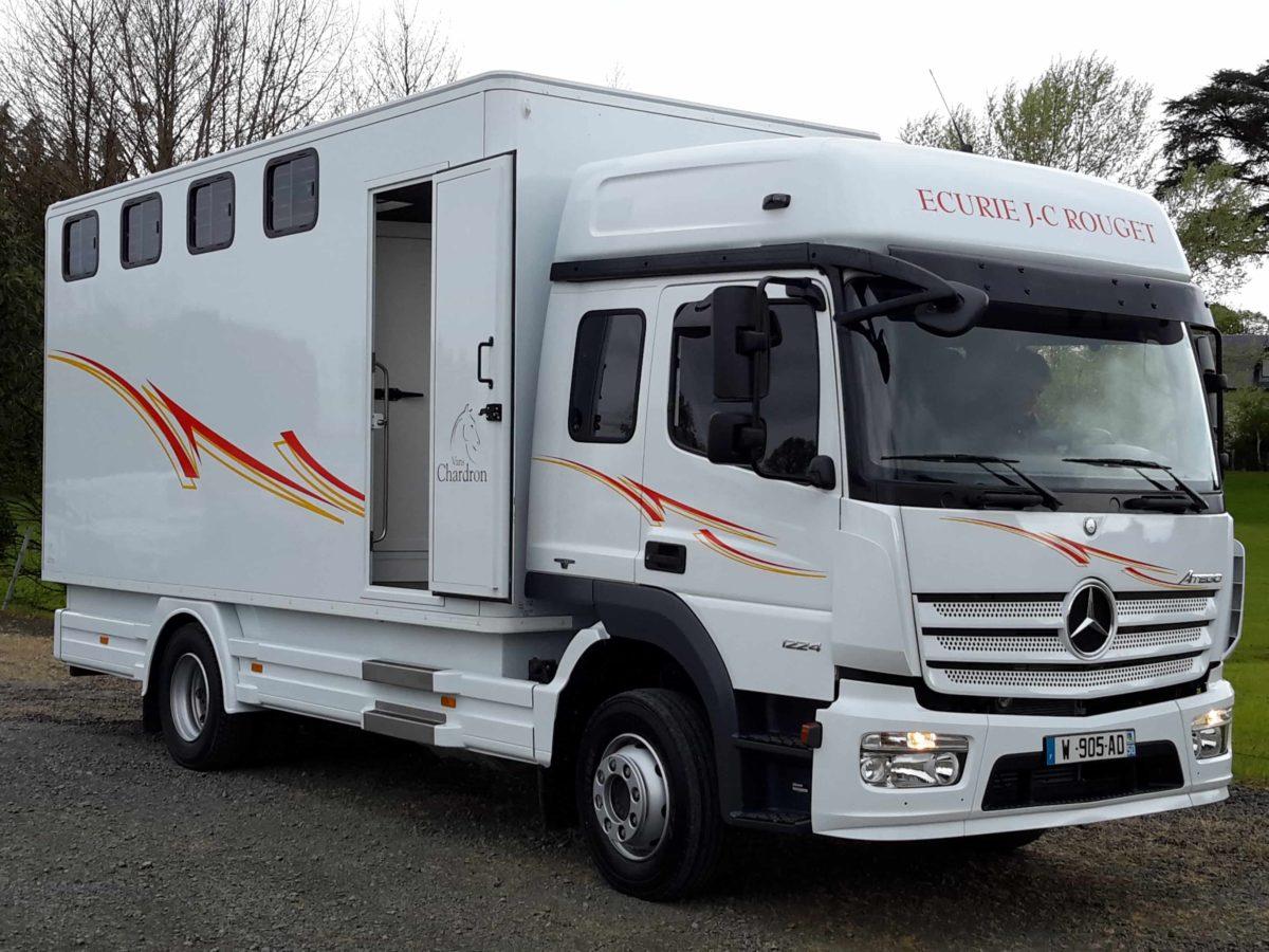 poids lourds pour chevaux camions d 39 exception vans chardron. Black Bedroom Furniture Sets. Home Design Ideas