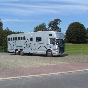 Vans Chardron 7 chevaux et appartement