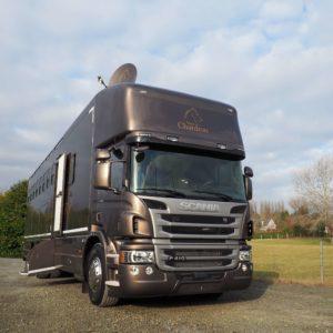 PL Scania avec carrosserie chevaux Chardron